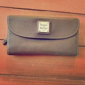 Dooney and Burke pebble grain continental clutch